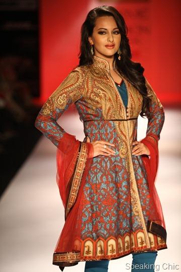 Karmik Show Sonakshi Sinha at LFW S/R 2012