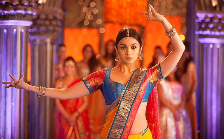 Alia Bhatt in sari - 2 States