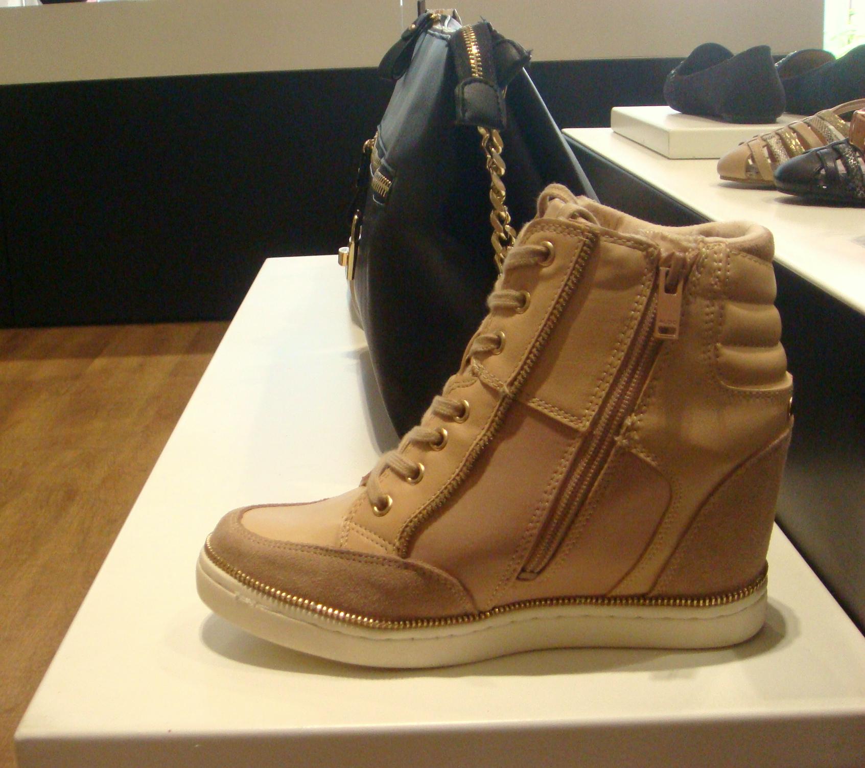 Aldo womens sneaker shoe