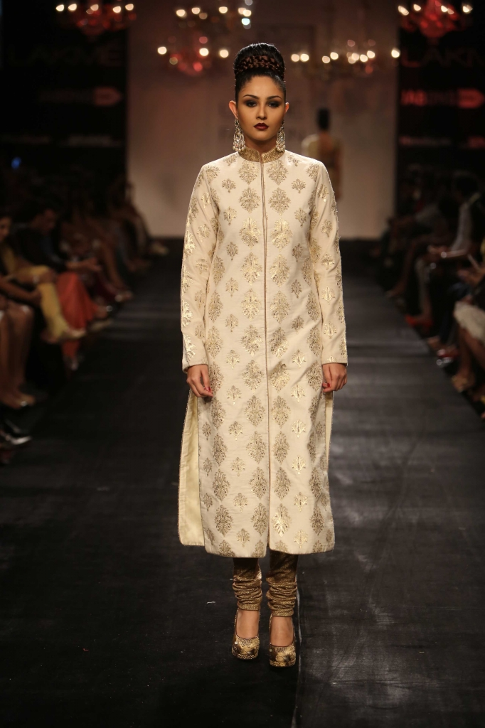 Vikram_Phadnis_LFW_WF_2014 white and gold