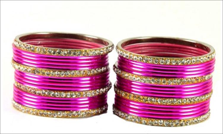 Ethnic pink bangles