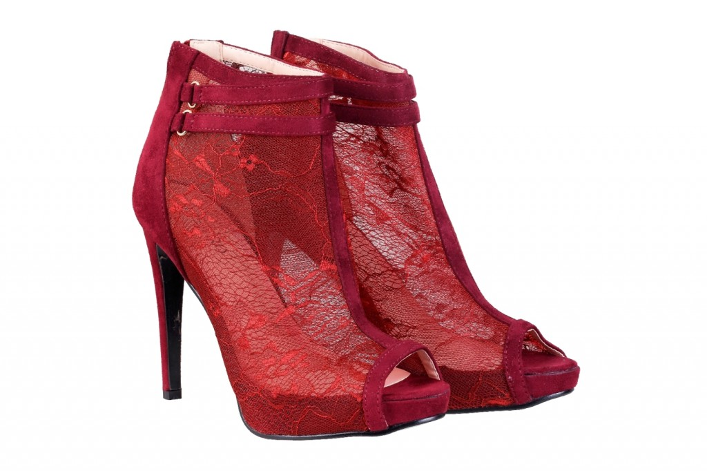 Metro red heels