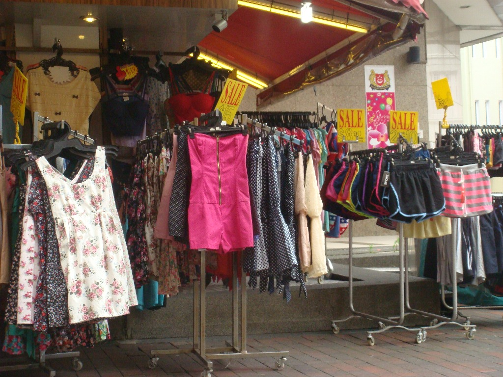 Bugis street Singapore shopping