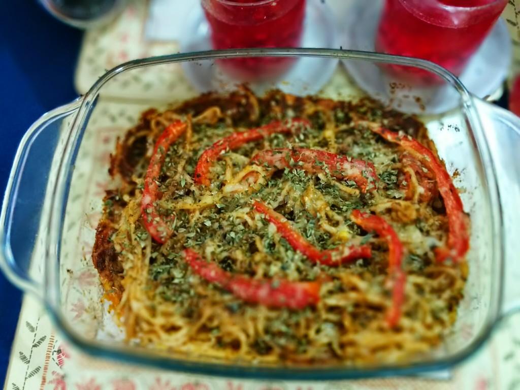 Baked Spaghetti in tomato pesto