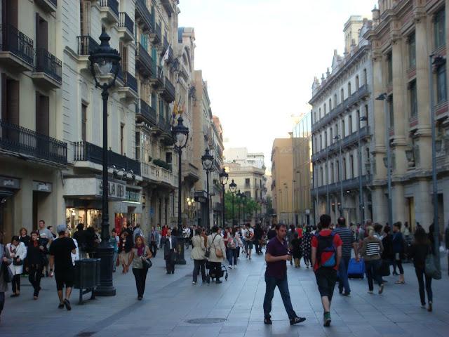 Barcelona shopping La Rambla