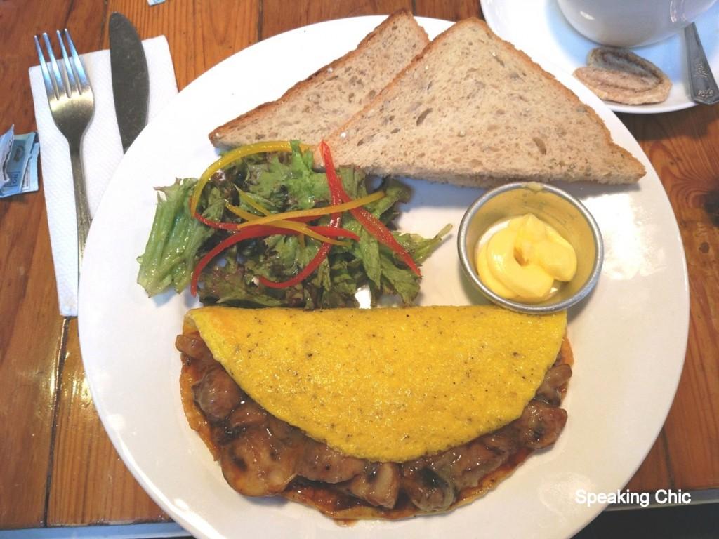 Pantry Kala Ghoda breakfast omelette