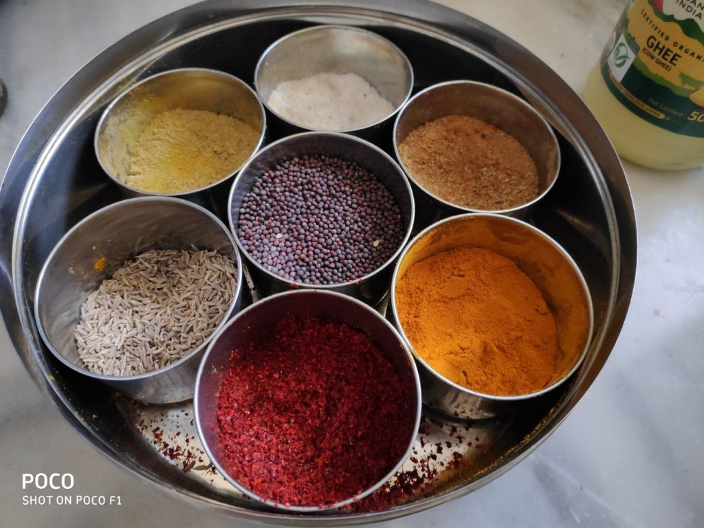 Indian masala spice box